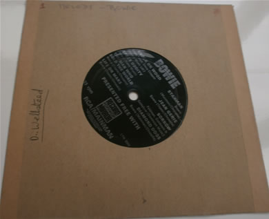 David Bowie - Flexi disc LYN2929 presented free with The Record Mirror magazine 7 Inch Vinyl