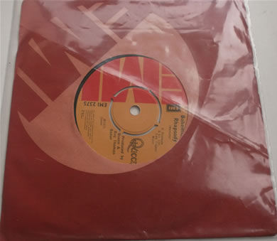 Queen - Bohemian Rhapsody / Im In Love With My Car 1975 7 inch vinyl