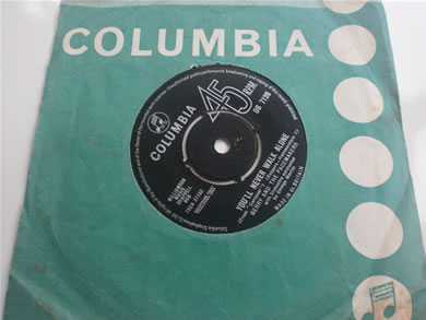 Gerry & The Pace Makers - You'll Never Walk Alone Bi, Its Alright DB7126 1963 7 Inch Vinyl